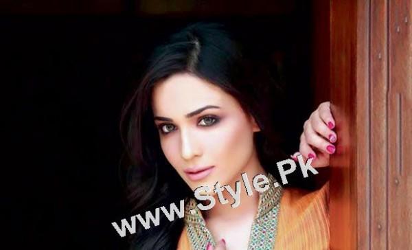 Pakistani Celebrities who were Poor before entering into Showbiz (3)