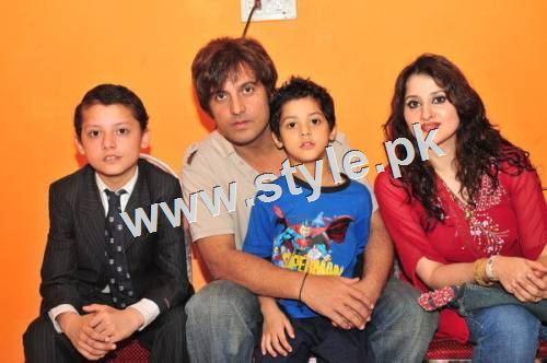 Pakistani Celebrities with their kids 12