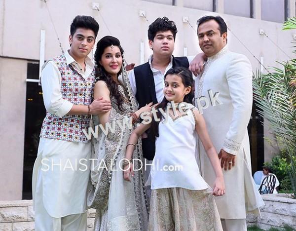 Pakistani Celebrities with their kids 4
