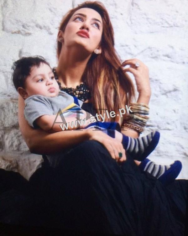 Pakistani Celebrities with their kids 8