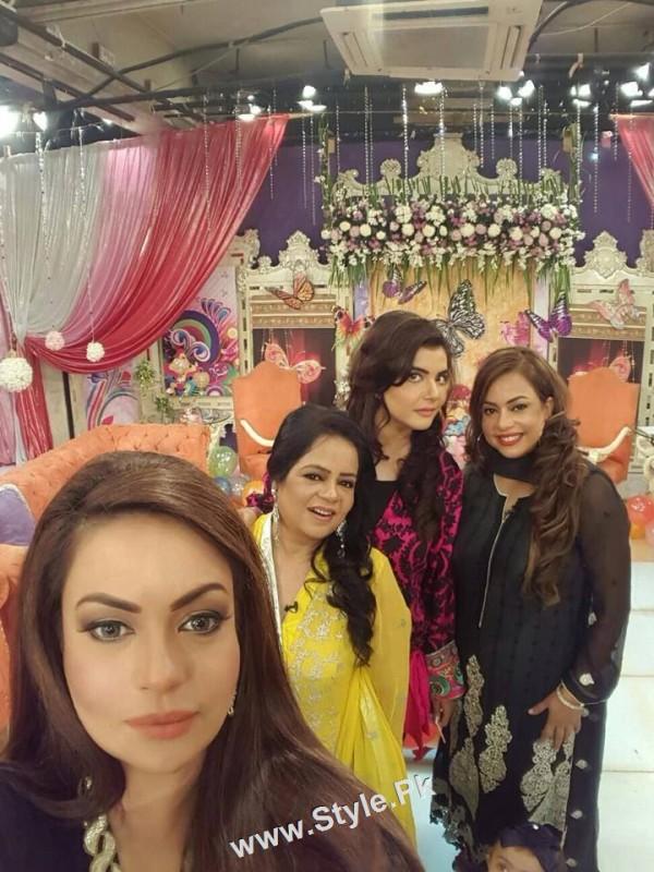 Sadia Imam Celebrated her daughter's birthday in Good Morning Pakistan (4)