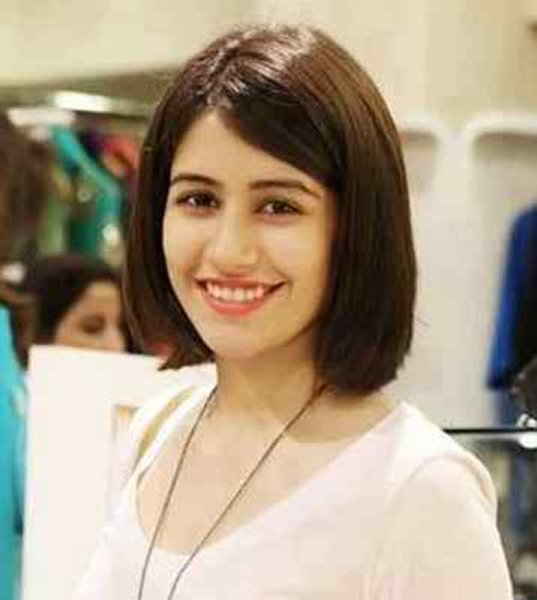 Which Pakistani Actresses Looks Beautiful In Short Hair007