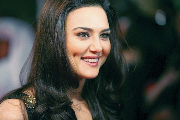 Bollywood Actresses And Their Real Names003