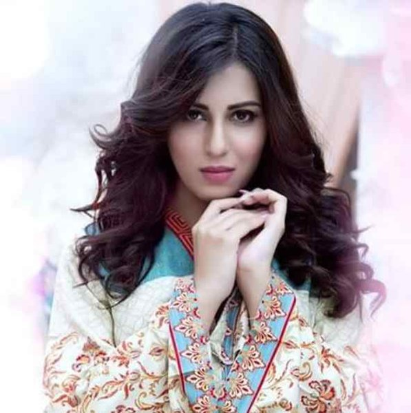 Latest And New Looks Of Ushna Shah002
