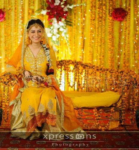 Latest Bridal Dresses Mehndi Shine