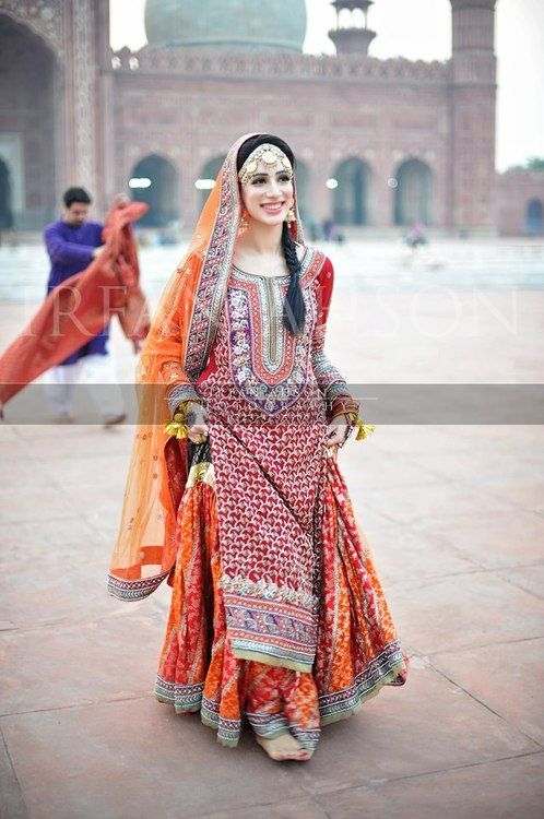 Mehndi Latest Bridal Dresses Collection