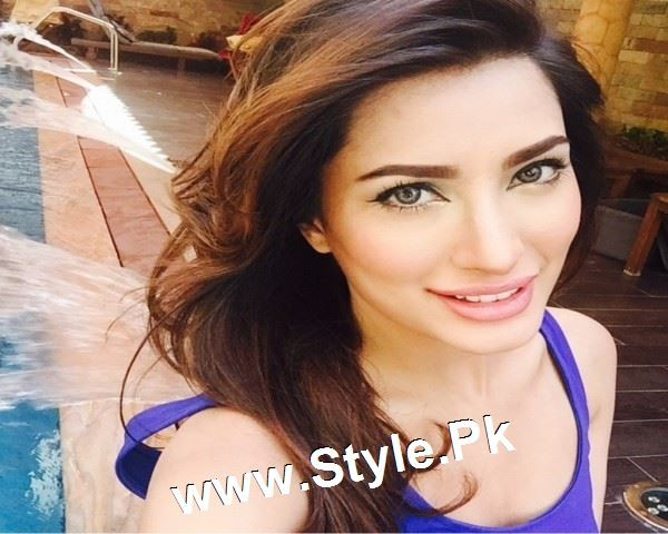 Pakistani Actresses who are meant for big Screen  (4)