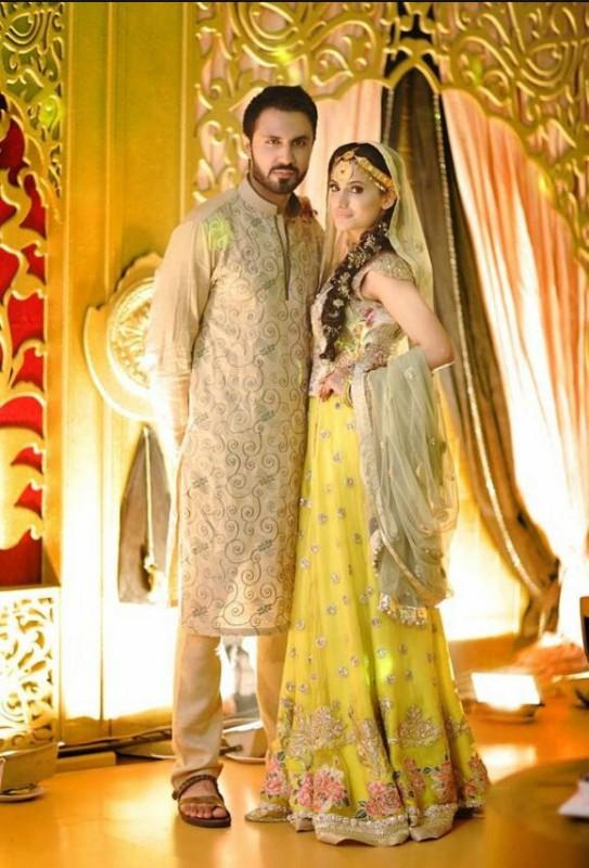 Pakistani mehndi dresses - elegant