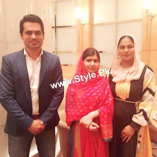 Pictures of Veena Malik's and Malala's family in Dubai (3)