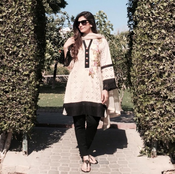Saira yousuf makes comeback with drama Zartasha (2)