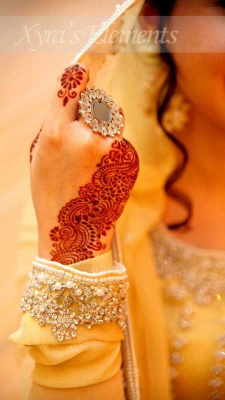 bridal mehndi latest