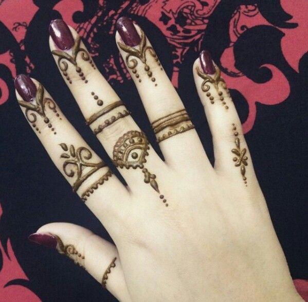 fingers mehndi