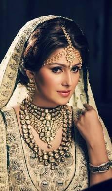 Ayeza Khan's photoshoot for Afzal Jewellers (2)