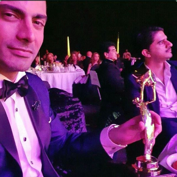 Fawad Khan awards show selfie