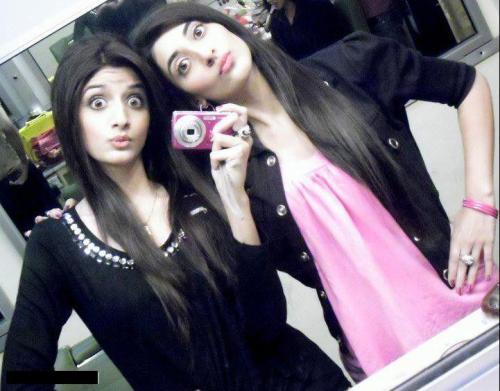 Funny Selfies by Celebrities.jpg- sisters