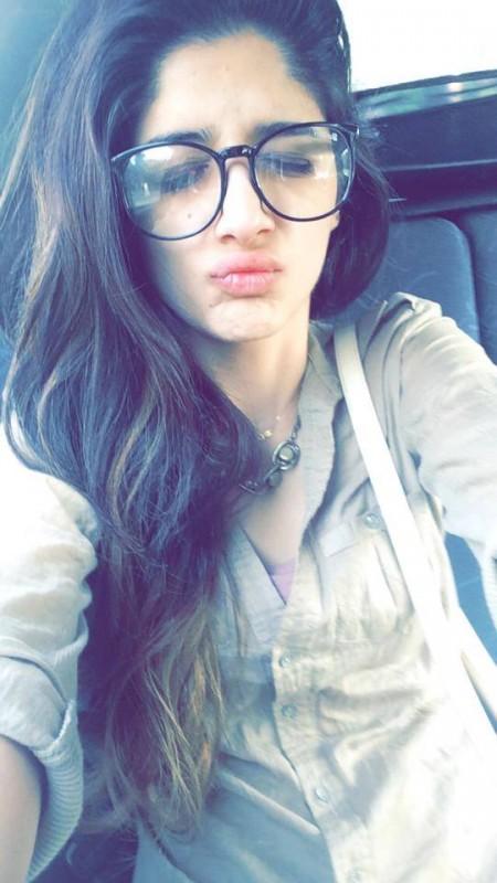 Funny Selfies By Pakistani Celebrities StylePk