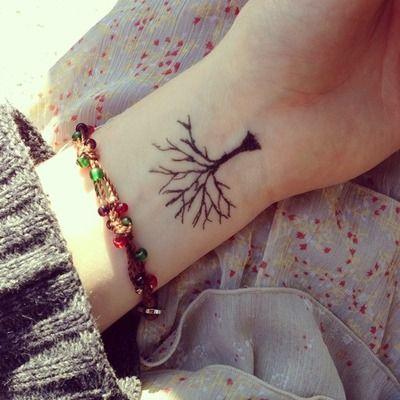 Mehndi Tattoo 2016 for girls-tree