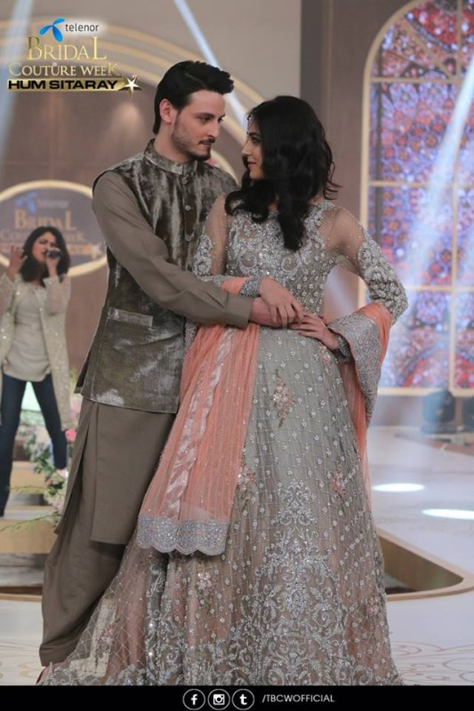 The beautiful couple Maya Ali and Osman Khalid Butt romanced on ramp (7)