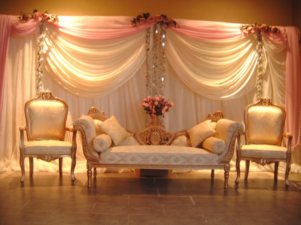 wedding-stage-decorations-photos