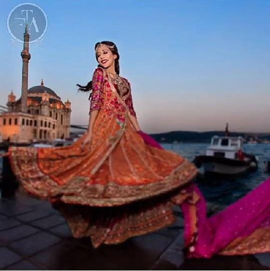 Ainy Jaffri's latest Photoshoot for Farah Talib Aziz (2)