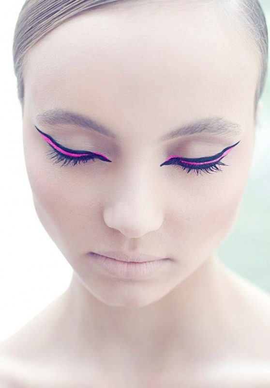 Colorful Graphic eyeliner-pink