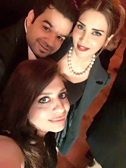 Fizza Ali is having fun with Friends (5)