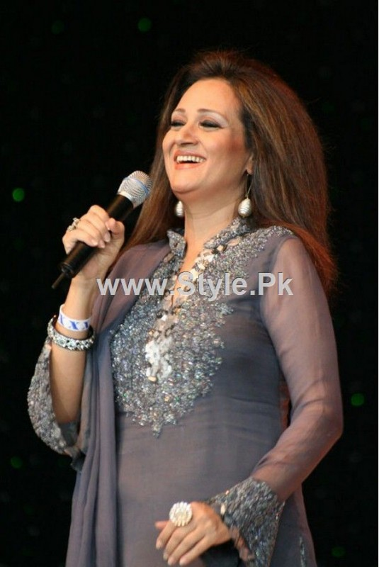 Pakistani Actresses who are also singers (4)