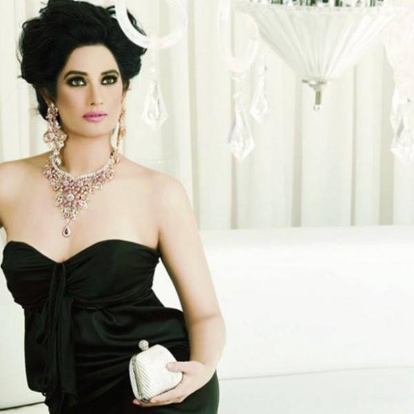 Pakistani Celebrities endorsing Afzal Jewelers (17)