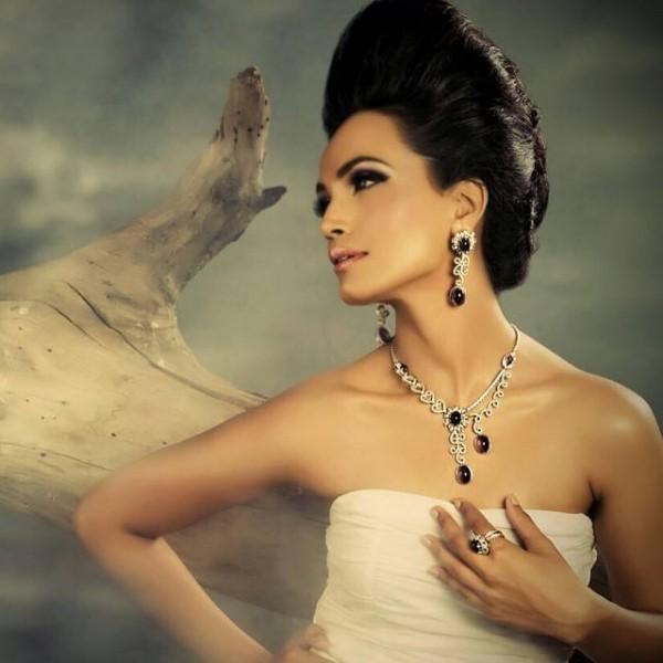 Pakistani Celebrities endorsing Afzal Jewelers (4)