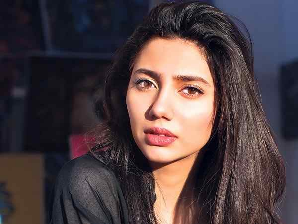 Top 5 Pakistani Television Actresses Of 2015002