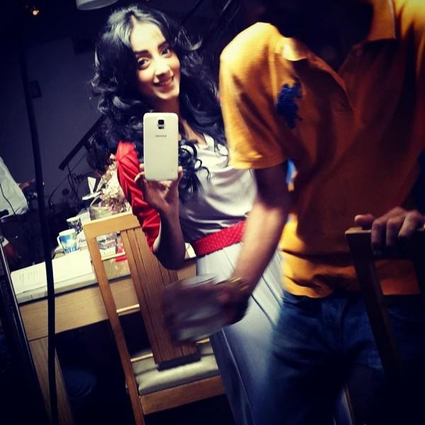 Unseen  Sanam Chaudhry Selfie Photoshoot -hello