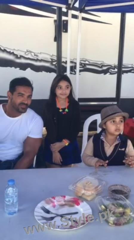 Javeria Saud's kids with Varun Dhawan and John Ibrahim (10)