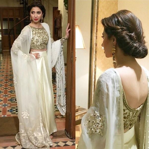 Mahira khan's most iconic Style moments. whits