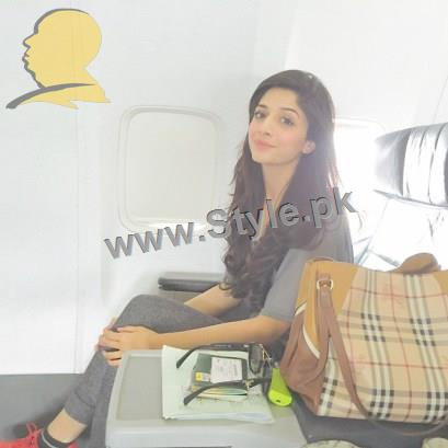 Trendy pictures of Pakistani Celebrities at Airport (4)