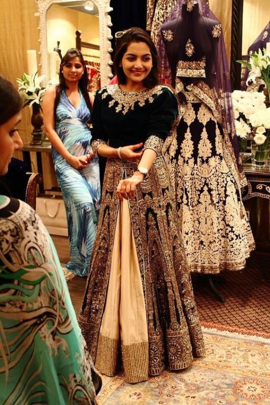 Velvet Bridal dresses - black