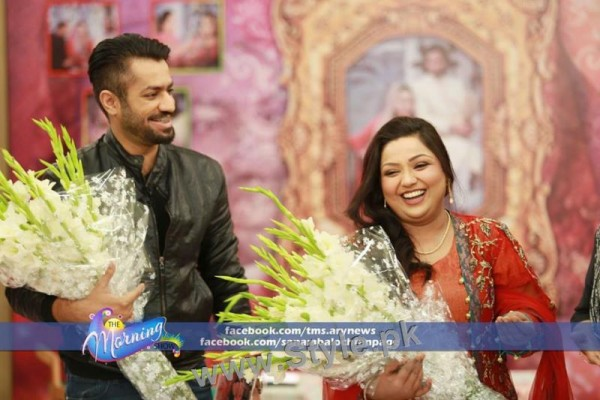 Pictures of Uroosa Siddiqui with her husband  (8)