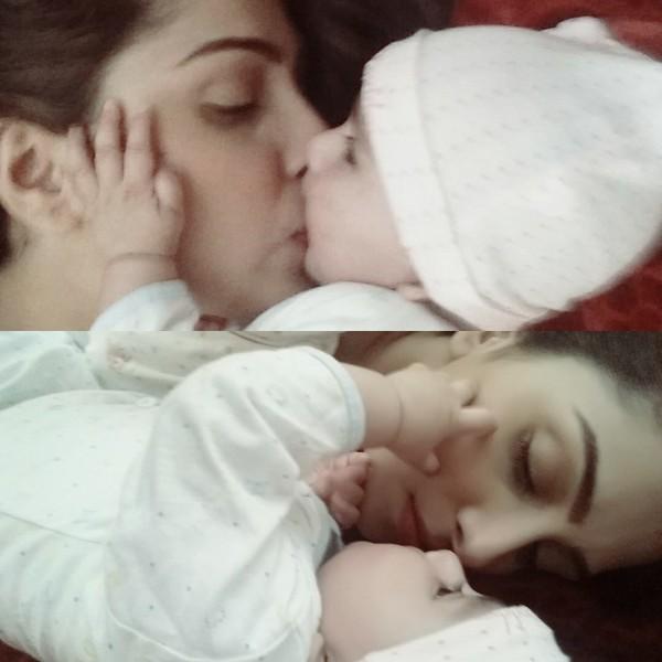 Ayeza Khan with daughter
