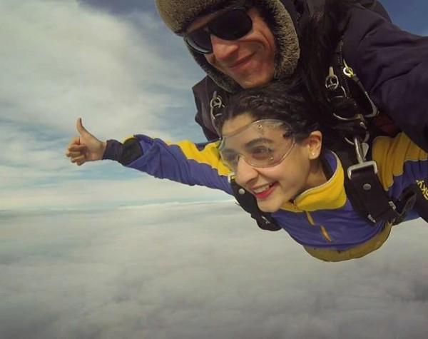 mawra hocane sky diving