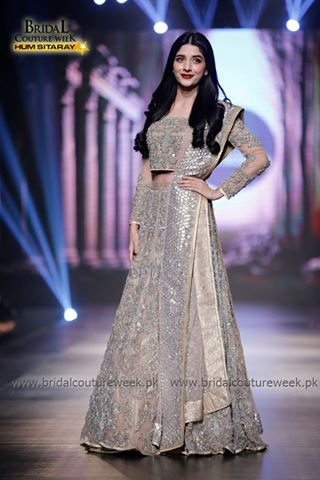 Which celebrity looked best at BCW Day 1 (4)