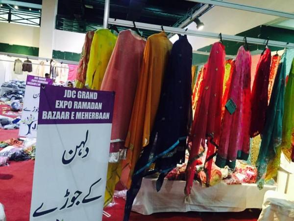 Ahsan Khan arranged Bazar e Ramzan for Needy People (8)
