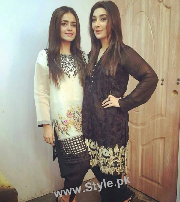 Ayesha Khan and Sumbal Iqbal before and during Ramzan Transmission (3)