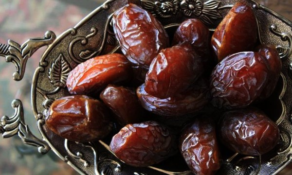 See Food items that complete your Iftari Table
