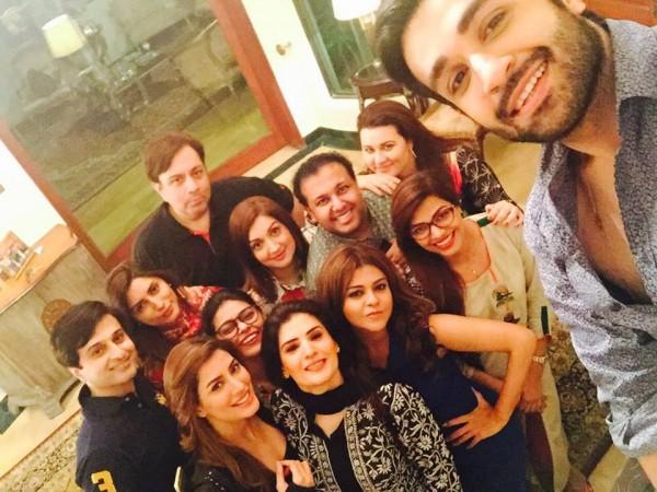 Pakistani Celebrities Enjoying Sehri together (3)