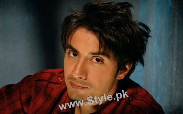 Pakistani Celebrities who left their profession for acting (3)