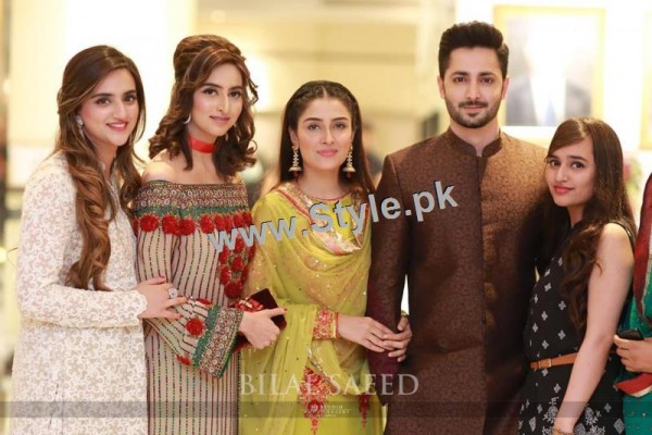 See Recent Clicks of Ayeza Khan and Danish Taimoor