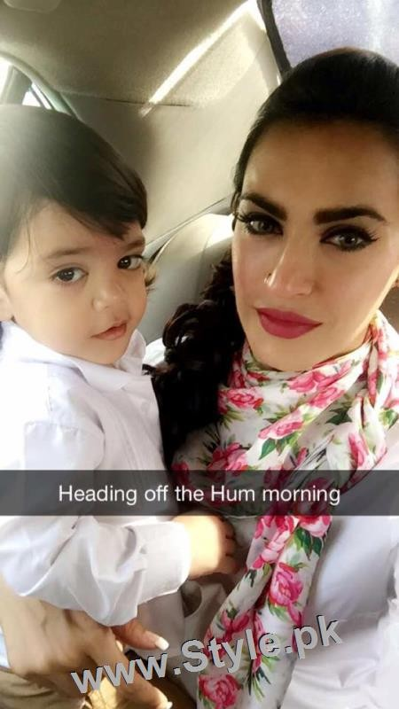 Recent Pictures of Nadia Hussain with all her four kids (4)