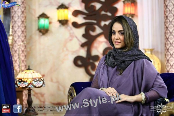 Recent Pictures of Nadia Khan in The Morning Show (2)