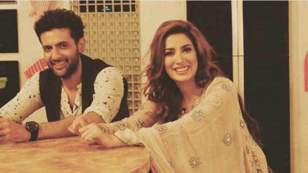 Sanam Saaed and Mehwish Hayat in Mehman Nawaz (5)
