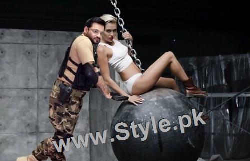 Social Media is making fun of Amir Liaquat (8)