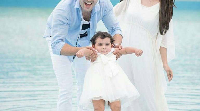 See Taimoor family's photoshoot for Hoorain's birthday